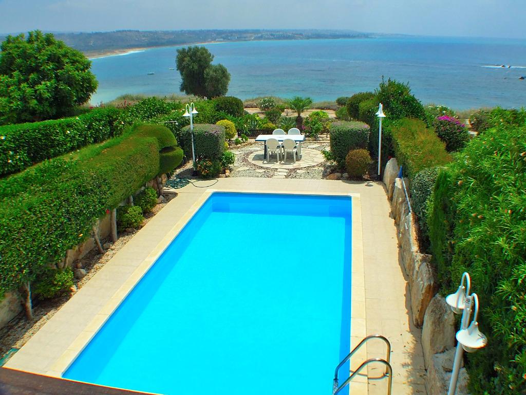 Ferienhaus mary ann am meer bei coral bay zypern for Ferienhaus zypern