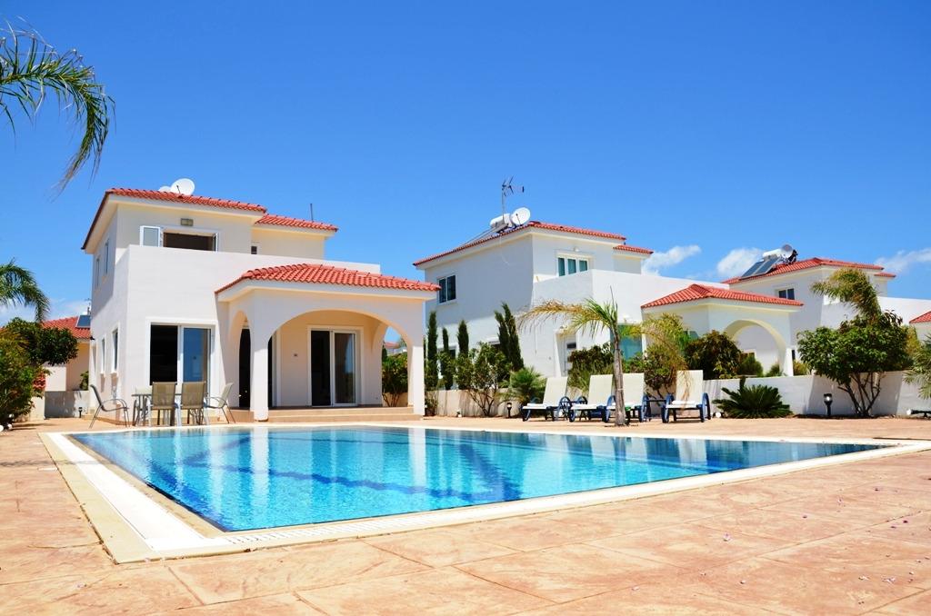 Ferienhaus am meer villa sunny ayia thekla n he ayia for Ferienhaus zypern
