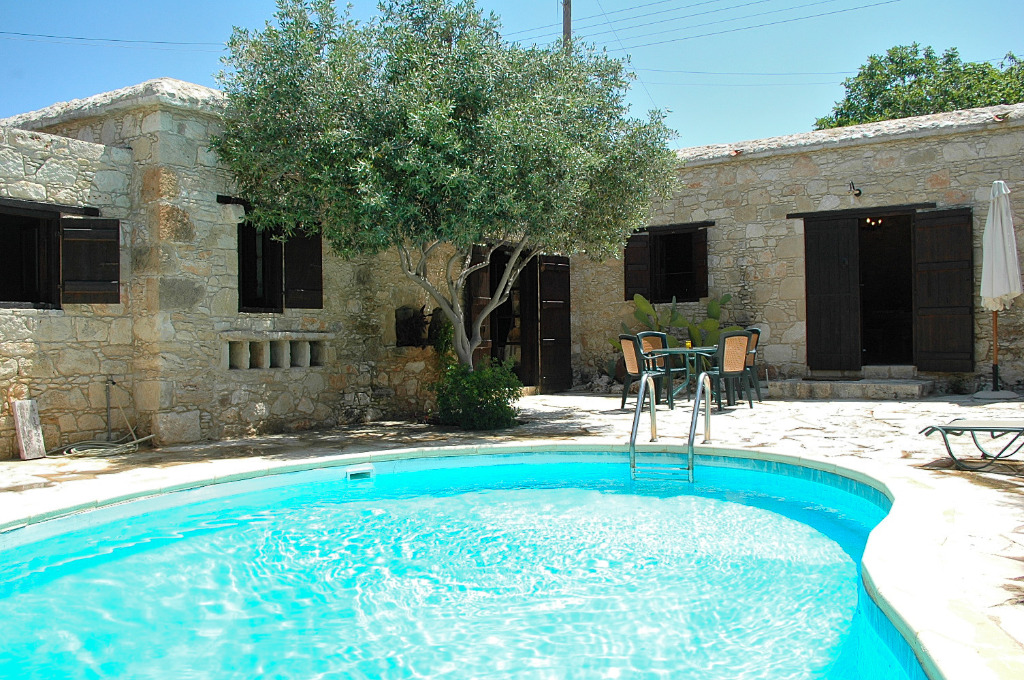 Ferienhaus kipseli neo chorio polis zypern for Ferienhaus zypern