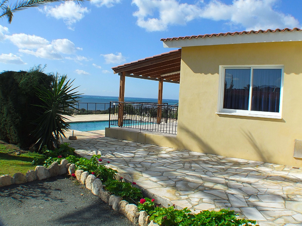 Ferienhaus zypern sisuella coral bay paphos zypern for Ferienhaus zypern