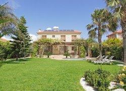 Seafront Villa Paula in Ayias Theklas, Ayia Napa, Zypern