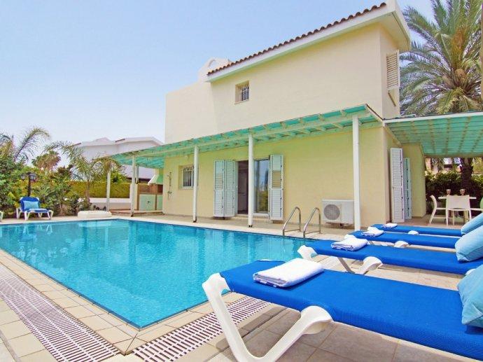 Ferienh user ayia napa villa protaras strandvilla for Ferienhaus zypern