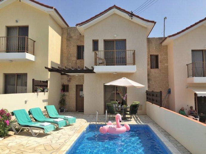 Ferienhaus pissouri ferienh user pissouri bay for Ferienhaus zypern